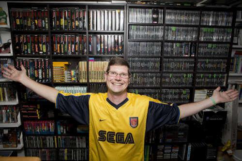 ゲームソフト11,000本を所有する世界一のゲームコレクターが全コレクションを競売へ