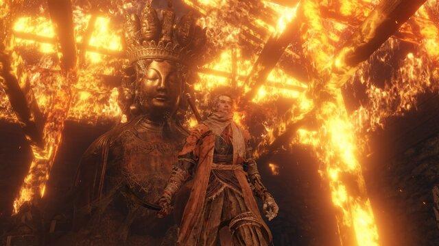 序盤の難敵と戦う隠し部屋には、巨大な仏像がたたずんでいます。